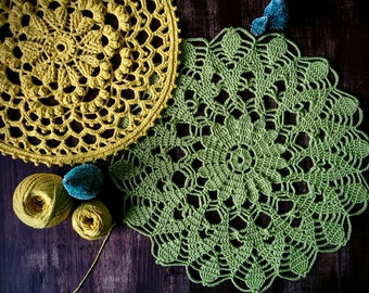 Green doily, 35 cm