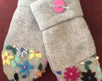 G21    Felted wool mittens  kids size medium