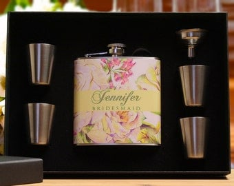 Personalized Bridesmaid Gift, Custom Flasks, Floral Wedding, Set of 7