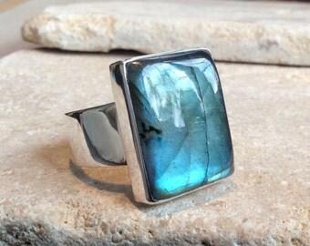 Labradorite Silver Ring, Large Gemstone Ring, Large Labradorite Silver Statement Ring, Large Stone Ring, Silver Cocktail Ring