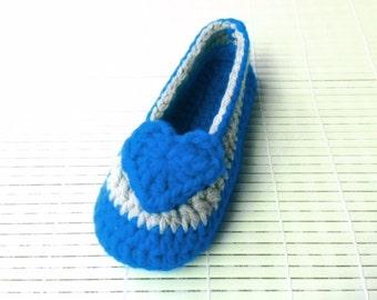 Crochet Pattern * Valentine Slippers for girls* Instant Download Pattern # 454 * Children Sizes 9-12 * Teen Sizes 1-2* Easy *house slippers