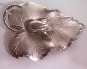 Vintage Large Leaf Brooch / Pin / Silver Brooch / Pin / Autumn Brooch / Pin / Silver Leaf Brooch / Pin / Leaf Jewelry