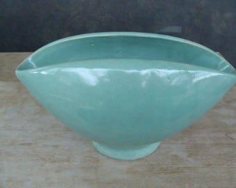 Vintage American Art Pottery Shawnee Or Haeger Footed Jardiniere Planter Flower Pot In Sea Foam Green Gloss Glaze