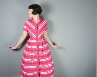 40s 50s dark PINK cotton dress with BUTTON through front - dolman sleeve - FLORAL print - mid century day dress uk8-10