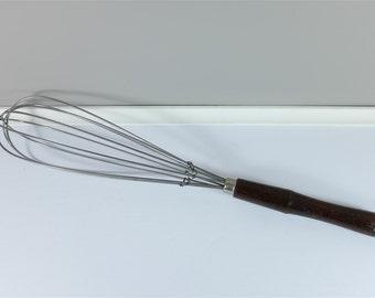 Vintage kitchen large wire whisk whip mixer - Large vintage manual whisk - Retro egg beater mixer - kitchenalia