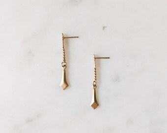 1990's Dead Stock Vintage Delicate Gold Chain Dagger Drop Dangle Earrings