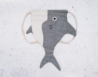 KID SHARK (shark boy) - backpack fish