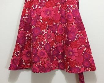 vintage floral purple and pink wrap skirt flower power mini skirt 1970s fashion skirt Åhlens Tempo Sweden