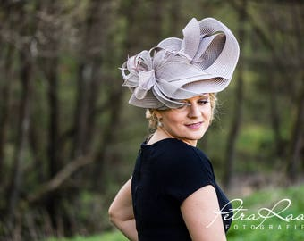 Hat Royal Ascot has Ballhut Kentucky Derby has horse racing couture Millinery Sinamay has wedding fascination U16