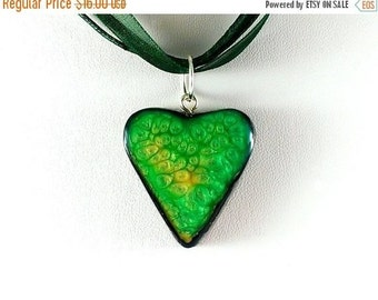 SALE 20% OFF Green heart pendant Statement pendant Green pendant Green necklace Green ceramic stone Heart pendant Green jewelry Resin green