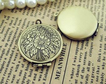 5pcs/10pcs  27mm antique bronze sunflower locket, sun flower phase box , wish box for love Jewelry findings xf04732