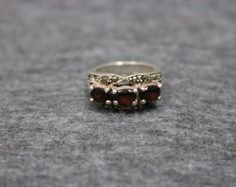 Sterling Silver Vintage Cluster Ring with Stones