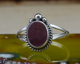 Navajo Sterling Silver Purple Spiny Oyster Ring 8.25
