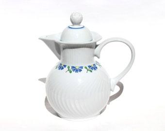 DANSK Bouquet Coffee Pot Server Carafe 6 Cup , Bouquet by Dansk Teapot , Coffee Pot & Lid , Fransk Coll, Scallop, Blue Flowers On Rim