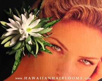TROPICAL HAIR CLIP.Hawaiian flower hair,Tiare,white flowers,Pinups hair,Hula flowers,Bridals,Wedding,Beach bride,Tahiti hair flower,Hawaii.