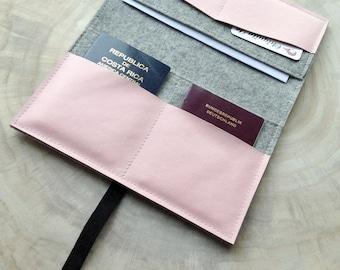 Travel organizer from wool felt & leather travel case