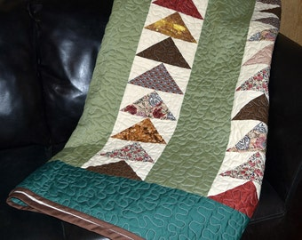King Size Traditional Flying Geese Quilt