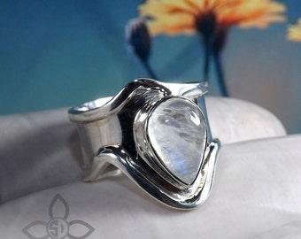 Rainbow Moonstone Ring, Moonstone Ring, Handmade Ring, Gemstone Ring, Unique Ring, Designer Ring, Girl Birthday Gift Ring, Officewear Rings