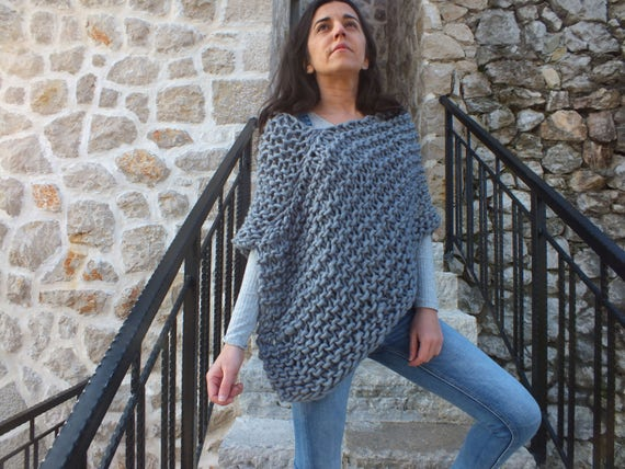Beginner Knitting Poncho : Pattern poncho super chunky beginner