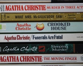 10 Agatha Christie books / Agatha Christie novels