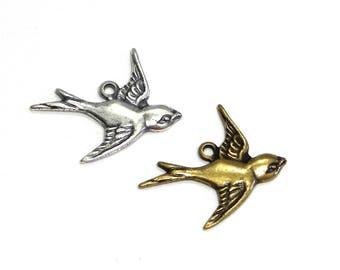 2x Trinity Brass Bird Charm Pendant 17 mm - Antique Gold or Antique Silver