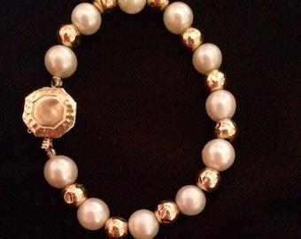 14K Hammered Gold & Pearl Bracelet