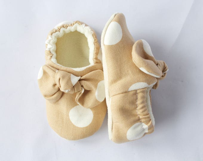 Large polka dot soft sole baby girl shoes with knotted bow