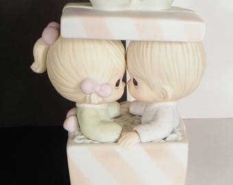Precious Moments First Christmas Together 101702 Musical Music EUC in Box