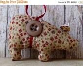 ON SALE primitive pig, country ornament, primitive country, farm animal ornament, handmade primitive, folk art pig, primitive fabric pig, US