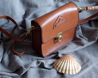 Shoulder bag in natural calf leather
