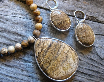 """PICTURE JASPER necklace, large PENDANT & matching earrings, gold, brown, black, umber, natural stones. Adjustable length 18""""-20"""""""