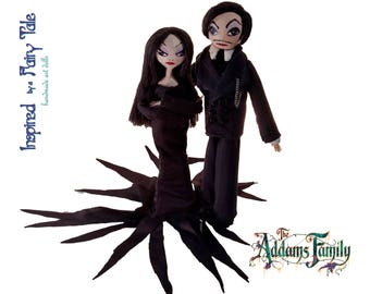 Morticia Doll,Gomez Doll,Addams Family Clothespin Doll,Halloween Cake Topper,Halloween Centerpiece,OOAK Doll,Wood Doll,Halloween Doll