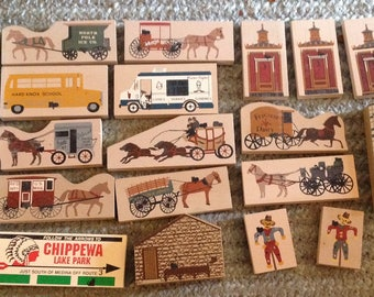 Lot Of 20 Cat's Meow Village Accessory Pieces , Lights, Lamposts, Carriage's, Flags, Horses etc. (Lot 2)
