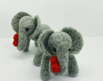 Little Elephant with heart, Needle Felt little elephant, perfect gift for the one you love. Mother's day gift