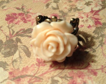 Ivory Rose Filigree Rimg