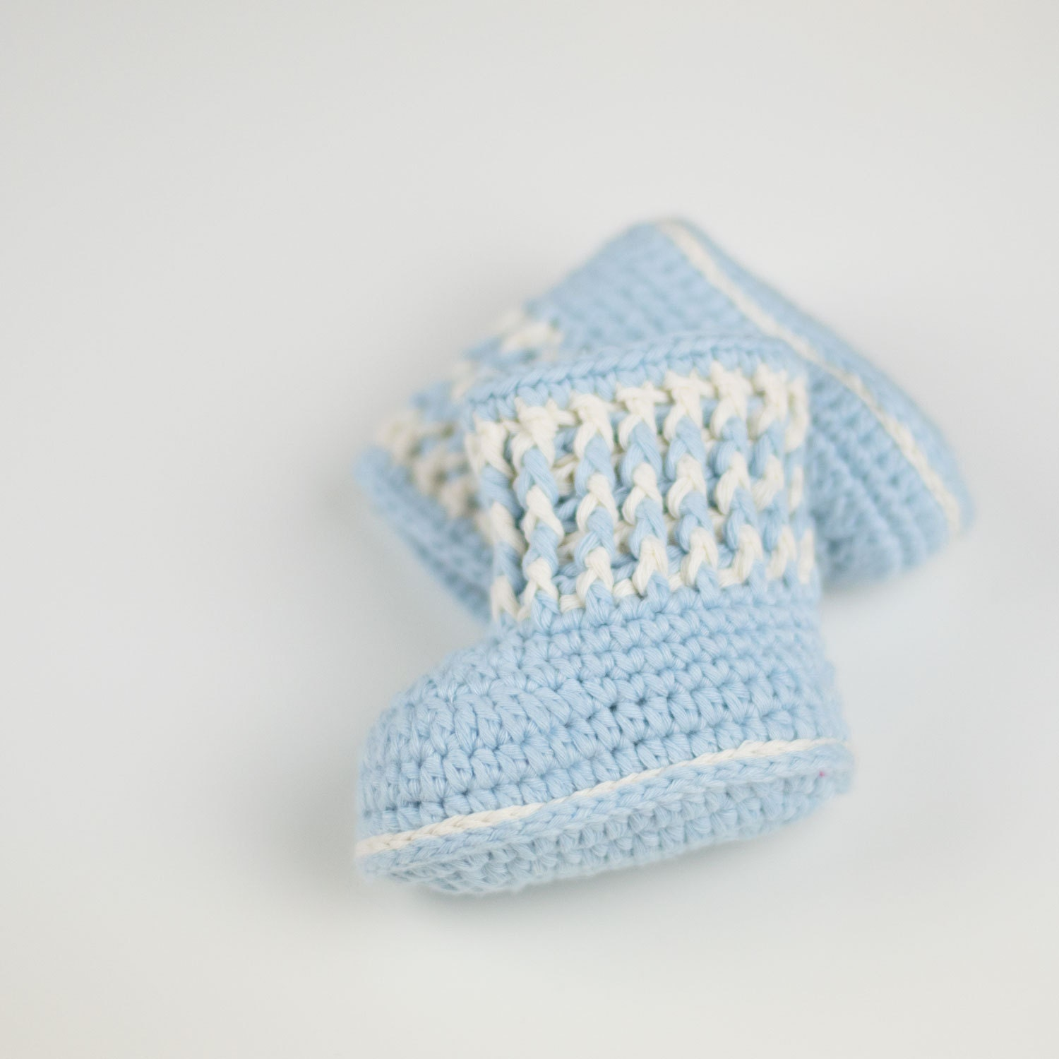 CROCHET PATTERN Crochet Baby Booties Ribbed Luck Baby
