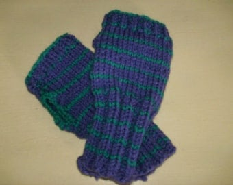 Cute little lilac and turquoise striped wrist warmers made in a snuggly chunky yarn