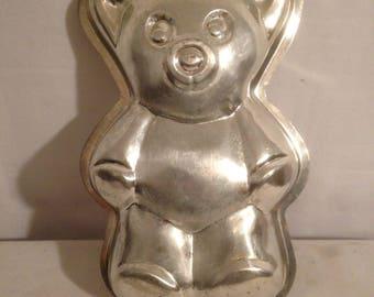 Old form Vintage Metal Pooh bear Cake Pan