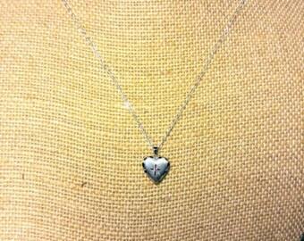 Small Sterling Silver Heart Locket ~ NBJ3349 ~ Tiny Locket ~ Think Downton Abbey ~ Small Heart Locket