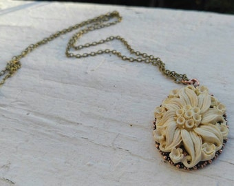 Beautiful Flower Necklace
