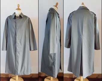 Mans khaki green rain coat long loose trench coat olive khak green rain coat size M/L