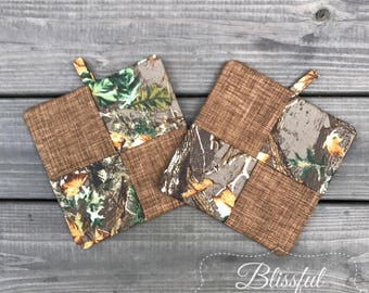 Pot Holders-Camo Insulated Pot Holder-Square Hot Pad-Wedding Shower Gift-Hanging Hot Pad-Trivets-Set of 2-Camo Fabric Pot Holder