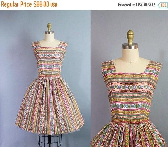 SALE 15% STOREWIDE 1950s novelty print dress/ 50s aztec southwestern cotton sundress/ medium petite