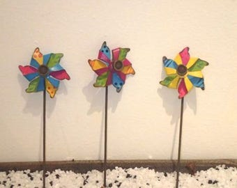 Miniature Fairy Garden Set Of 3 Metal Pinwheels