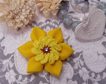 Fabric flower brooch, yellow brooch, crochet brooch, fiber flower brooch, yellow wedding jewelry, yellow scarf accessory, Mother's Day