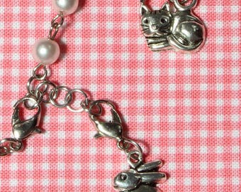 Vintage Faux Pearl Silvertone Bracelet With Detachable Easter Bunny And Kitten Charms