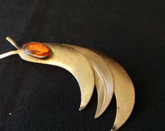 Vintage Textured Gold Triple Feather Leaf Amber Crystal Stone Brooch Pin