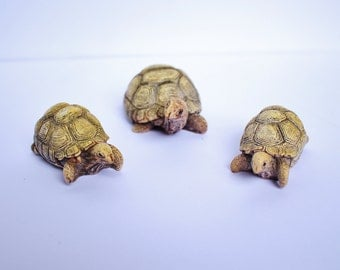 Vintage Retro Chinese Asian Resin Carved Tortoise Sea Turtle Set of 3