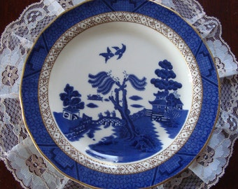 "Royal Doulton Booths ""Real Old Willow"" - 8"" Blue and White Cabinet / Salad Plate - Blue Willow Pattern"