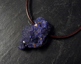 Azurite with brown leather strap, azurite chain, necklace with pendant, stone blue, leather belt with gemstone, necklace natural stone, unisex necklace
